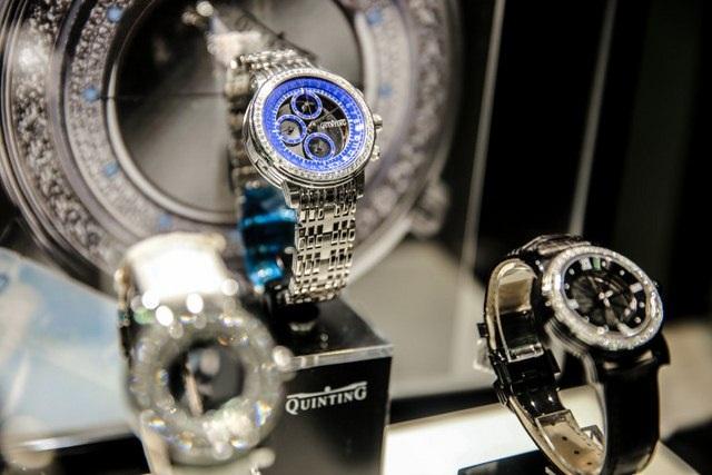 Những chiếc đồng hồ đắt tiền bán ở Qatar, dành riêng cho tầng lớp siêu giàu.