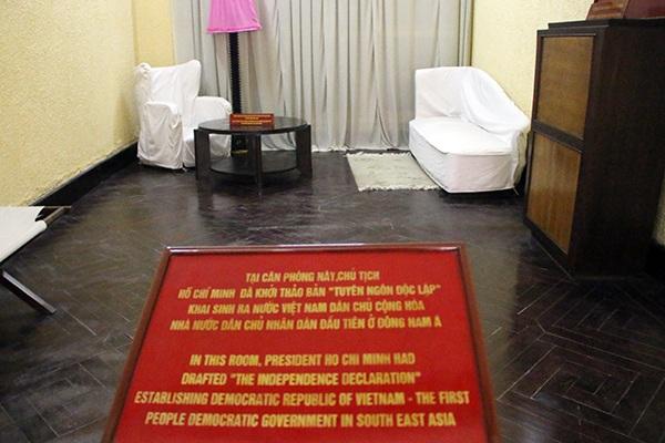 Thăm ngôi nhà Bác Hồ viết bản tuyên ngôn độc lập - 12