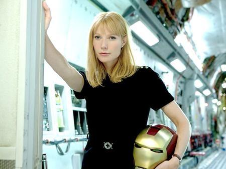 """Vào vai cô bạn gái Pepper Potts của Người Sắt, Gwyneth Paltrow cũng đã có cơ hội xuất hiện trong ba phần phim """"Iron man"""" và trong siêu dự án """"The Avengers"""" hồi năm 2012."""