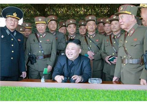 Vì sao ông Kim Jong-un không hề e sợ khi Mỹ rầm rộ điều quân đến - 13