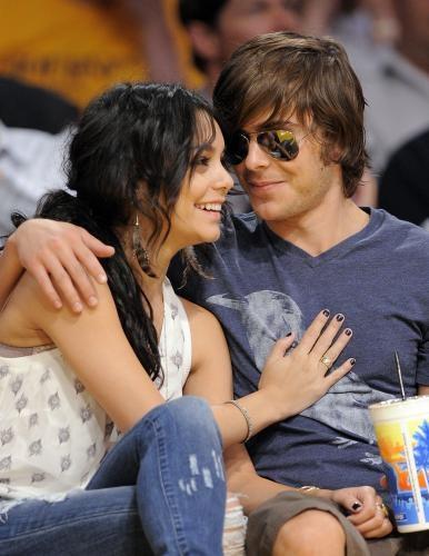 Cặp đôi High School Musical cũng chẳng hẹn hò được lâu sau khi phim kết thúc