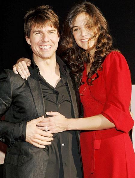 Hồi năm 2005, Tom Cruise từng gây xôn xao Hollywood khi dành tặng Katie Holmes một chiếc nhẫn cầu hôn có giá tới 275.000 đô la Mỹ