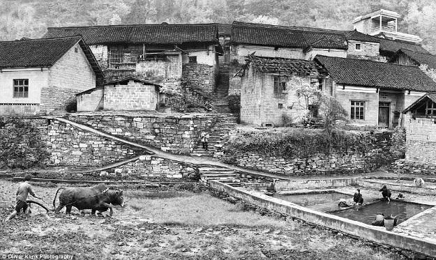 Những bức ảnh lịch sử về các truyền thống đang mất dần đi - 13
