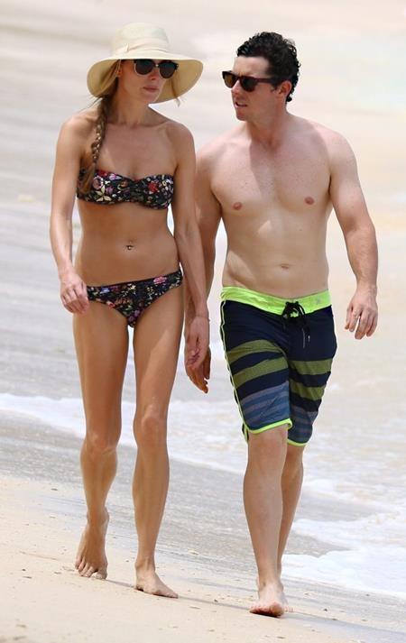 """Cặp đôi này thường xuyên dính nhau """"như hình với bóng"""""""