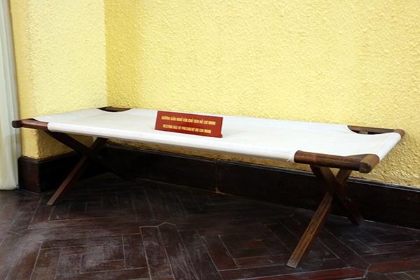 Thăm ngôi nhà Bác Hồ viết bản tuyên ngôn độc lập - 15