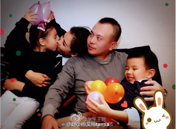 Vương Kha đảm nhận vai trò chăm sóc con để Lưu Đào có thể yên tâm đóng phim