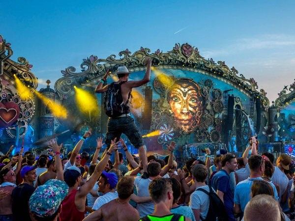 Những lễ hội khổng lồ trên khắp thế giới - 14