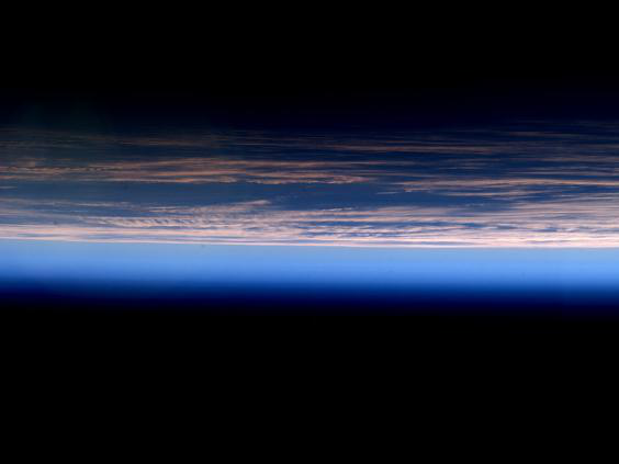 Những bức ảnh ngộ nghĩnh về cuộc sống của các phi hành gia trong không gian - 15