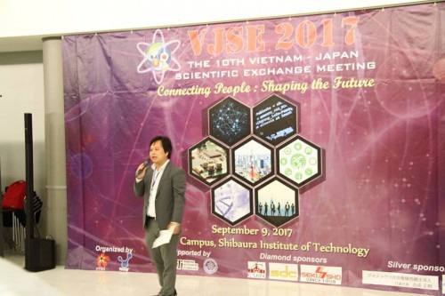TS. Nguyễn Thành Vinh, ĐH Tokyo, tổng kết chương trình Hội nghị (ảnh: Xuân Bình).