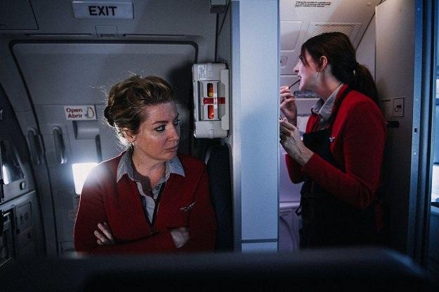 Các tiếp viên hàng không làm gì khi không phải phục vụ khách? - 15