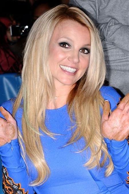 Đây chính là dáng vẻ xinh đẹp, trẻ trung của Britney Spears khi nữ ca sĩ đồng ý ngồi vào chiếc ghế giám khảo của chương trình X Factor Anh quốc mùa thứ hai