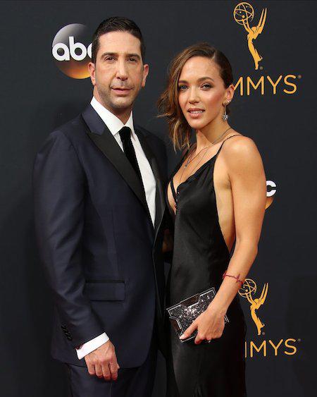 """Cuộc hôn nhân của ngôi sao phim """"Friends"""" David Schwimmer và bà xã Zoe Buckman cũng đã bất ngờ tan vỡ hồi tháng 4 vừa qua"""