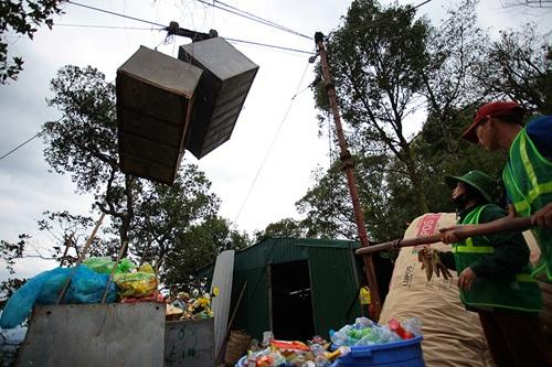 Nhọc nhằn nghề gánh rác nơi lưng chừng trời Yên Tử - 6
