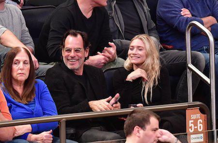 Sau 5 tháng hẹn hò, nữ diễn viên Ashley Olsen, 30 tuổi đã nói lời chia tay với người tình Richard Sachs, 58 tuổi vào tháng 4/2017