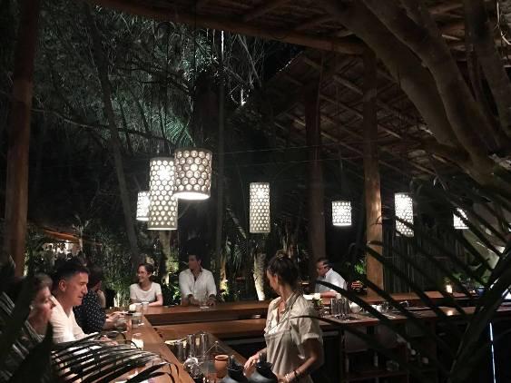 Những món ăn đặc biệt tại một nhà hàng trong rừng rậm - 17