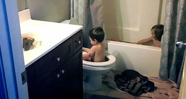 Giải pháp khi nhà chỉ có một cái bồn tắm mà mình lại muốn có không gian riêng