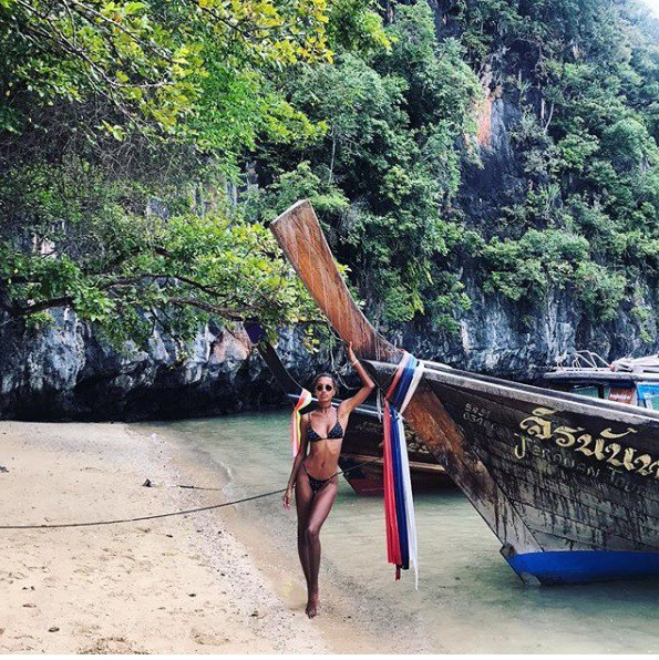 """""""No mắt"""" ngắm bộ ảnh du lịch Thái Lan của dàn thiên thần Victoria Secret - 6"""