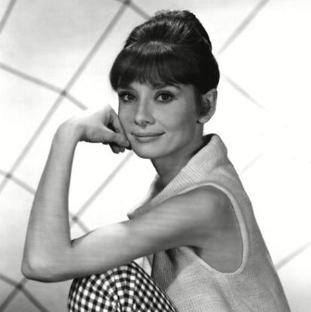 Hồi năm 2013, huyền thoại điện ảnh Audrey Hepburn cũng đã được hồi sinh trong một đoạn phim quảng cáo. Các nhà sản xuất đã sử dụng tới hai thế thân, một người có vóc dáng tương tự với Audrey Hepburn và một người có các đường nét gương mặt giống với huyền thoại điện ảnh. Một điều đặc biệt là Sean Ferrer và Luca Dotti, hai con trai của Audrey Hepburn cũng nhận được một khoản tiền lớn từ việc sử dụng bản quyền hình ảnh của mẹ mình.