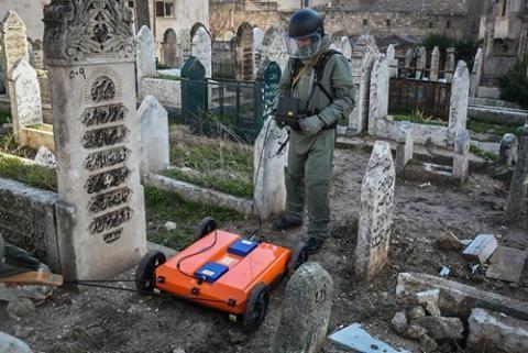 Robot cũng được quân đội Nga sử dụng để rà phá bom mìn.