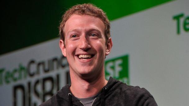 """Tháng 7/2016, Mark Zuckerberg đã hoàn thành Thách Thức Của Năm tên """"A year of running''."""