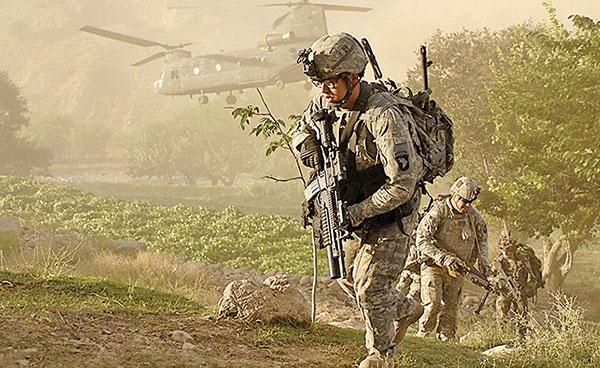 Lính Mỹ tại Afghanistan năm 2011. Ảnh: National Review.
