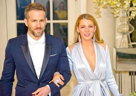 Blake Lively nhỏ hơn ông xã Ryan Reynolds 11 tuổi nhưng trông cặp sao vẫn cực kì xứng đôi