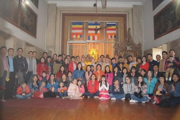 Cộng đồng người Việt tại Ấn Độ cầu an đầu Xuân. (Ảnh: Huy Bình-Đăng Chính/Vietnam+)