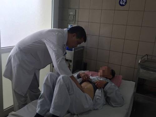 Bệnh nhân bị suy thận vì dùng mật cá trắm để bồi bổ sức khỏe.
