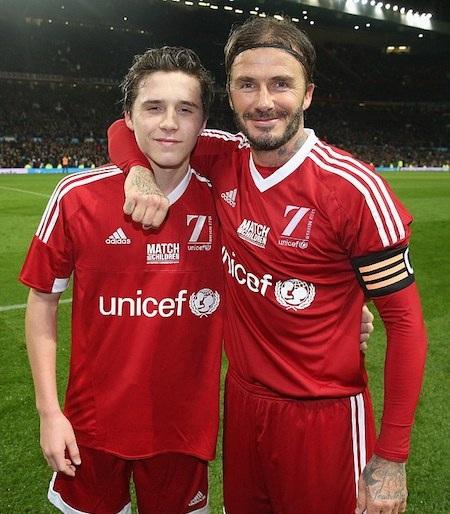 David Beckham tốn tới 17.000 bảng Anh để đi xem con trai đá bóng