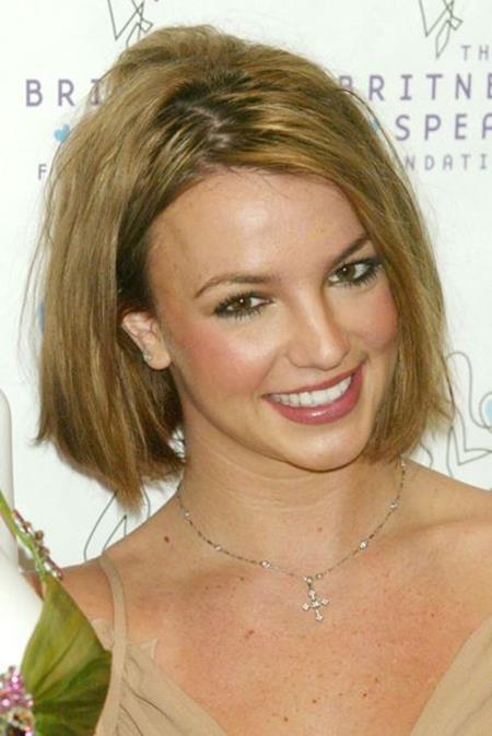 Theo thời gian, Britney Spears dần rũ bỏ hình tượng nữ sinh ngây thơ để đi theo một định hướng trưởng thành hơn