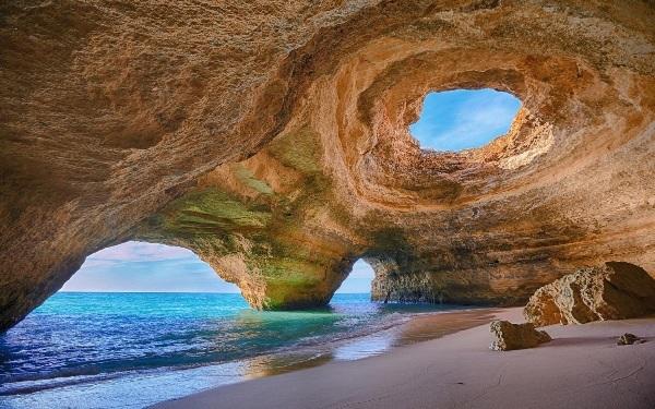 Những hang động đẹp đến mức bất kì ai cũng phải choáng ngợp - 2