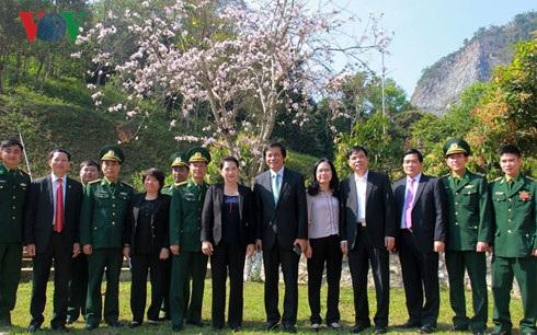Chủ tịch Quốc hội gợi ý Điện Biên làm du lịch từ cây hoa ban - 3