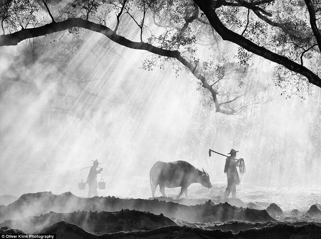 Những bức ảnh lịch sử về các truyền thống đang mất dần đi - 2