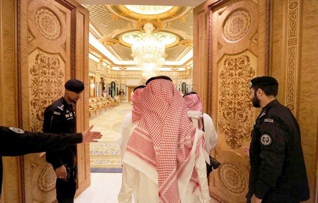 Lối vào cung điện hoàng gia Ả Rập Saudi.