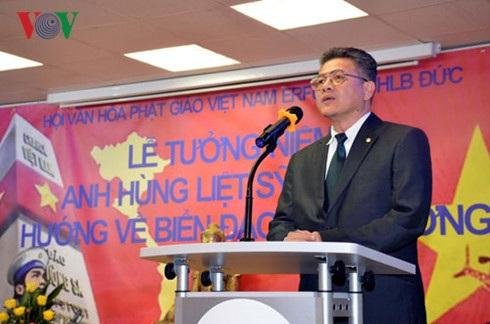 Bí thư thứ Nhất ĐSQ Lê Thanh Hải phát biểu tại buổi lễ.