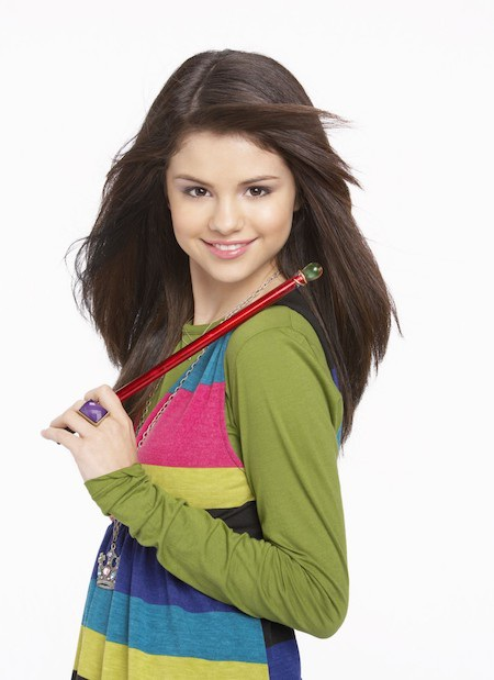 """Nữ ca sĩ từng rất vui vẻ hồi đóng phim """"Wizards of Waverly place"""""""