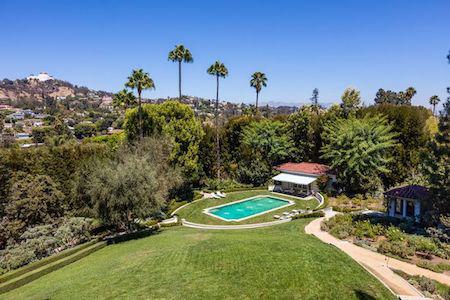 Dinh thự ở Los Angeles vô cùng xa hoa, tráng lệ…