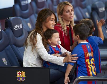 Hai cậu con trai của Messi sẽ đặc biệt chung vui trong ngày đại sự của bố mẹ