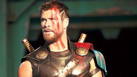 """Ngoài hai gương mặt quen thuộc là Chris Hemsworth và Tom Hiddleston, """"Thor: Ragnarok"""" còn có sự tham gia của nữ minh tinh Cate Blanchett trong vai nữ thần Hela và các khán giả đều đang nóng lòng chờ tới ngày 3/11, ngày ra mắt chính thức của """"Thor: Ragnarok"""""""