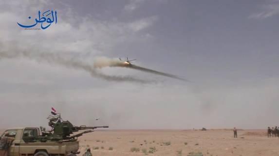 Trực thăng tấn công của VKS Nga tấn công lực lượng dân chủ Syria SDF thân Mỹ, tại vùng biên giới Đông Sweida