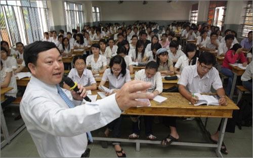 TS Vũ Thu Hương cho rằng nếu bỏ biên chế bậc ĐH, nhiều giảng viên sẽ không còn mặn mà với giảng đường. Ảnh minh họa: IT