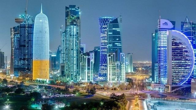 Thủ đô Doha của Qatar rực rỡ về đêm.