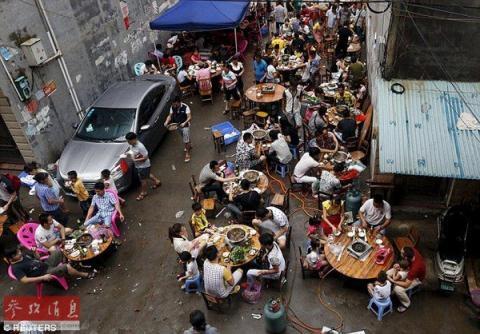 Lễ hội ăn thịt chó tưng bừng ở Trung Quốc