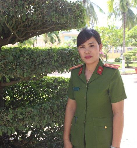 Thiếu tá Lý Thị Phương.