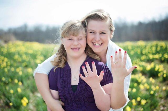 Hai chị em đã nhận được chiếc nhẫn tuyệt đẹp từ Will.