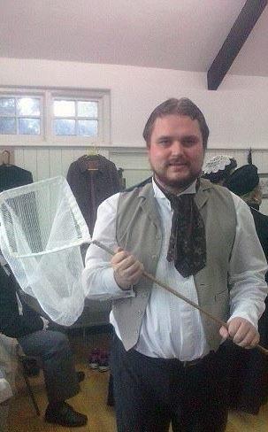 Trước đó, Adam từng học kịch nghệ tại trường cao đẳng Cardiff and Vale…