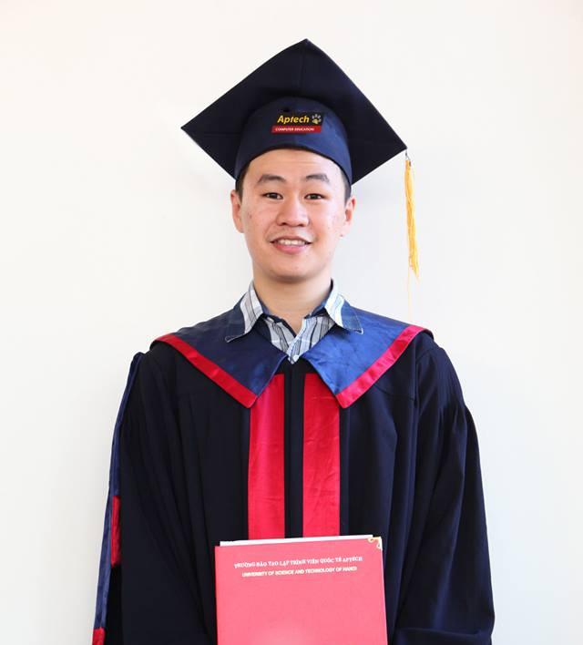 Đồng Sỹ Trung tốt nghiệp Trường Đào tạo Lập trình viên Quốc tế APTECH cơ sở 285 Đội Cấn.