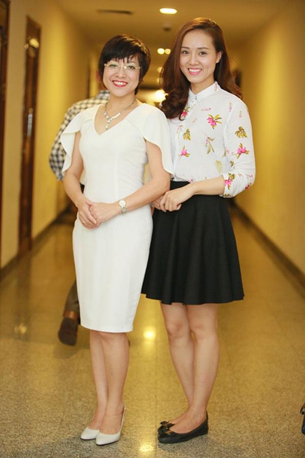 MC Thảo Vân và bạn gái mới của Công Lý rất vui vẻ.