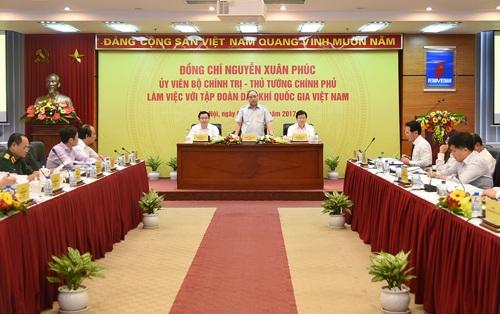 Thủ tướng Nguyễn Xuân Phúc cho rằng PVN phải xây dựng đội ngũ, khắc phục tồn tại