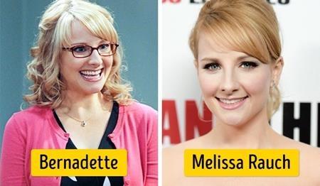 """Melissa Rauch cũng là một ngôi sao chấp nhận làm xấu mình trên màn ảnh nhỏ, với cặp kính cận, mái tóc rối bù cùng một nụ cười kém duyên, Melissa Rauch quả thực đã thể hiện rất thành công vai diễn Bernadette Wolowitz-Rostenkowski trong phim """"The Big Bang theory"""""""